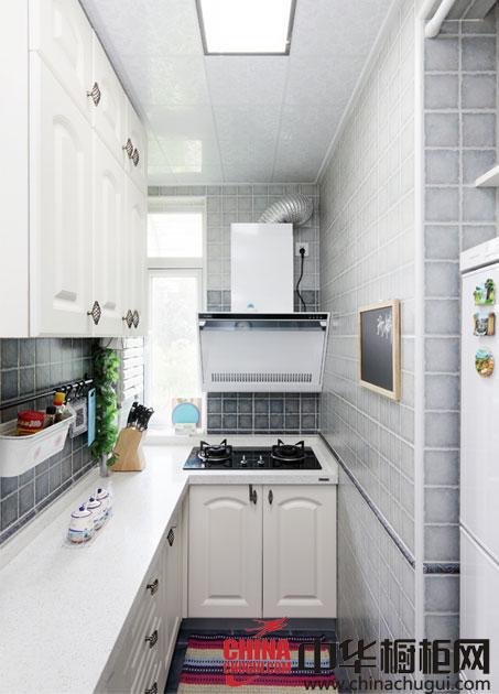 有序舒适的厨房装修效果图