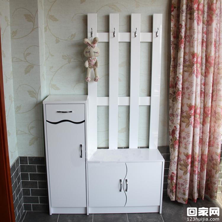 郑州装修公司鞋柜装修效果图               白色的进门鞋柜,经典款式